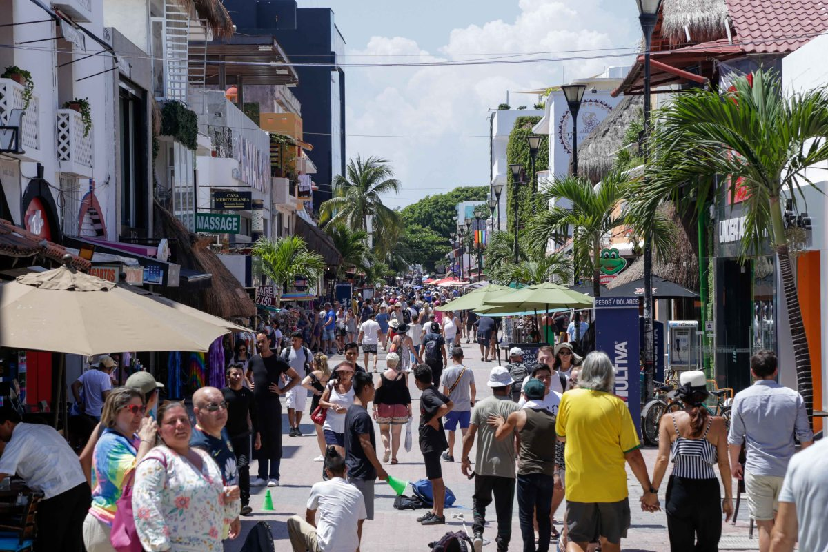 Desacelera crecimiento en el sector turismo: CNET